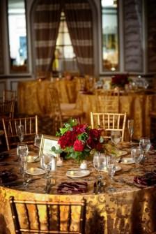40 Romantic Rustic Barn Wedding Decoration Ideas 05