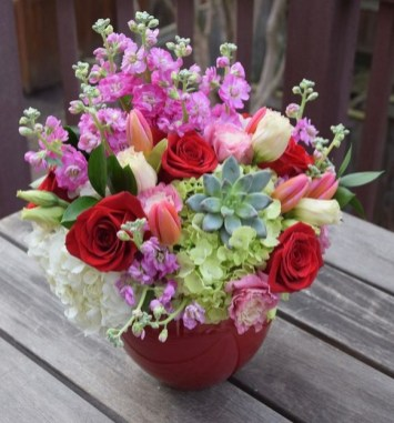 50 Romantic Valentines Flowers You Need to See 32