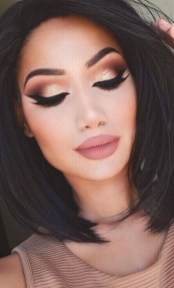 50 Shimmering Eye Makeup for Party Ideas 17
