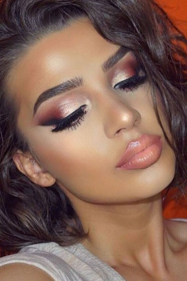 50 Shimmering Eye Makeup for Party Ideas 27