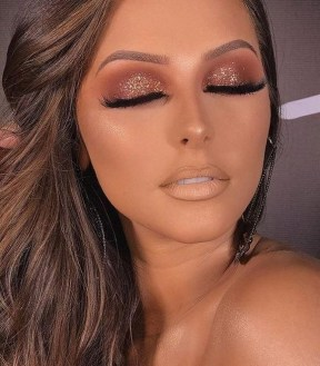 50 Shimmering Eye Makeup for Party Ideas 35