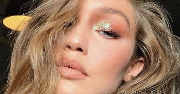 50 Shimmering Eye Makeup for Party Ideas 36