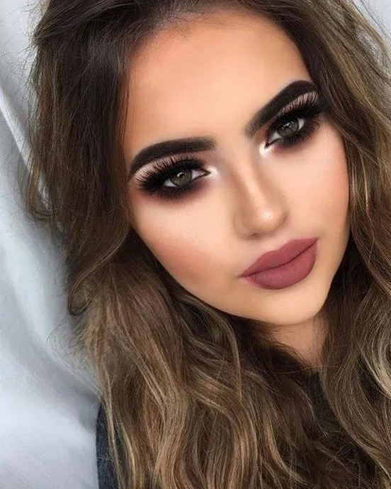 50 Shimmering Eye Makeup for Party Ideas 38