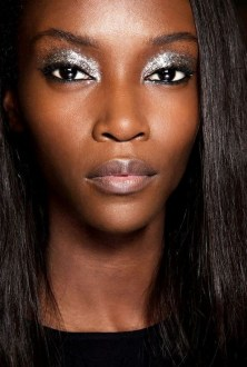 50 Shimmering Eye Makeup for Party Ideas 39