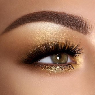 50 Shimmering Eye Makeup for Party Ideas 40