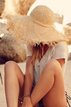 50 Ways to Protect Your Skin From The Sun With Stylish Hats 33