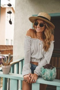 50 Ways to Protect Your Skin From The Sun With Stylish Hats 39