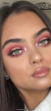 60 Lovely Makeup For Valentines Day Look Ideas 06