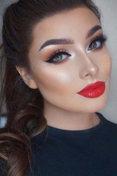 60 Lovely Makeup For Valentines Day Look Ideas 16