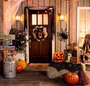 60 Nice Home Decor to Make Your House Stand Out This Halloween 07