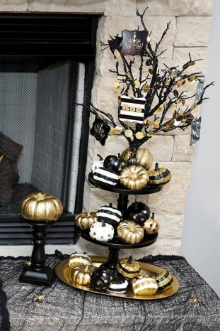 60 Nice Home Decor to Make Your House Stand Out This Halloween 08