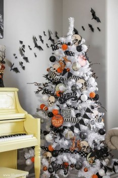 60 Nice Home Decor to Make Your House Stand Out This Halloween 17