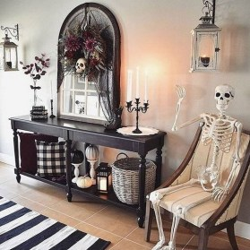 60 Nice Home Decor to Make Your House Stand Out This Halloween 22