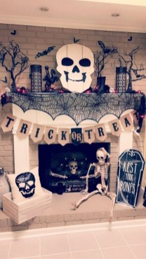 60 Nice Home Decor to Make Your House Stand Out This Halloween 40