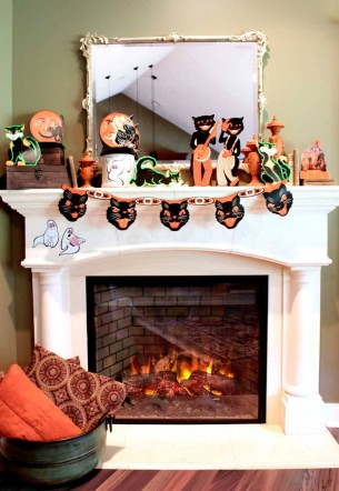 60 Nice Home Decor to Make Your House Stand Out This Halloween 58