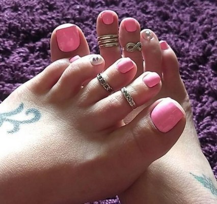 50 Ideas lovely Pink Toe Nail Art for Valentines Day 04