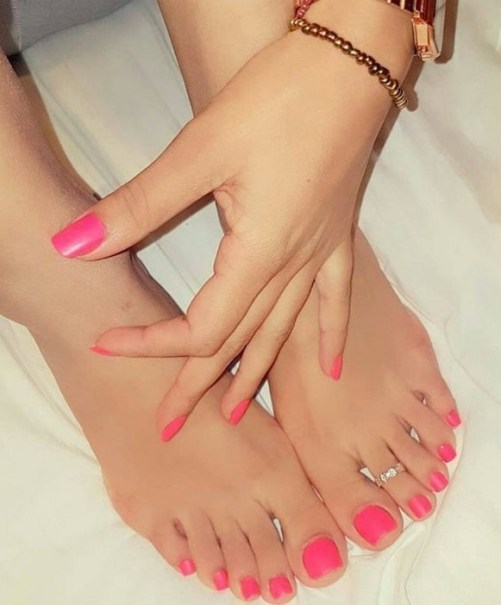 50 Ideas lovely Pink Toe Nail Art for Valentines Day 22