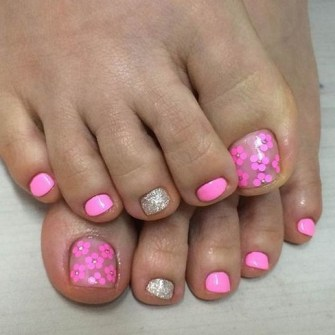 50 Ideas lovely Pink Toe Nail Art for Valentines Day 39