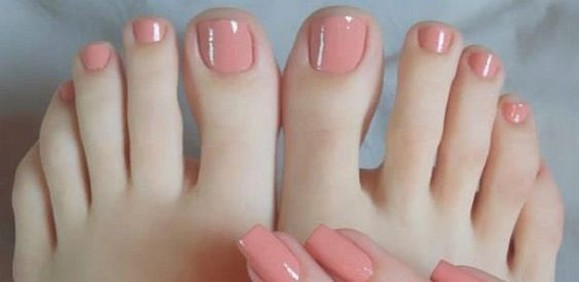 50 Ideas lovely Pink Toe Nail Art for Valentines Day 48