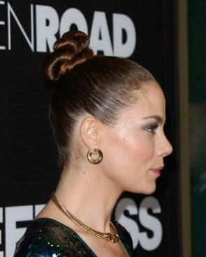 50 Stunning Classy Clean Bun Hairstyles Ideas 30