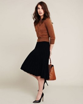 60 Stylish Cardigan Outfit Inspiration for Work 27