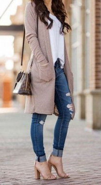 60 Stylish Cardigan Outfit Inspiration for Work 35