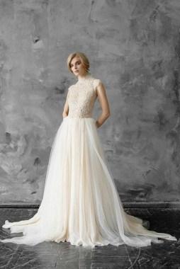 60 Victorian Styles Neckline for Wedding Dress Ideas 04