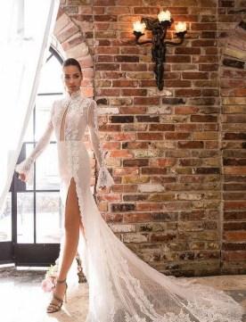 60 Victorian Styles Neckline for Wedding Dress Ideas 08