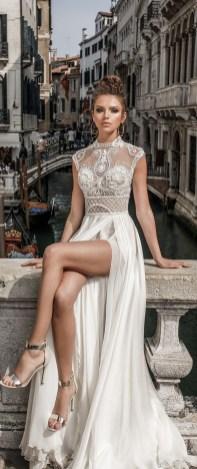 60 Victorian Styles Neckline for Wedding Dress Ideas 30