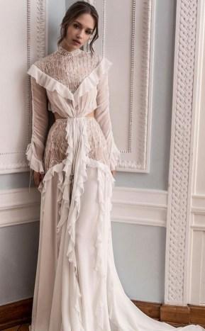 60 Victorian Styles Neckline for Wedding Dress Ideas 35