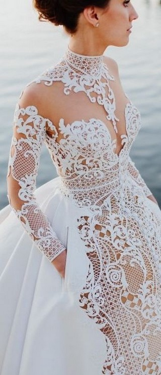 60 Victorian Styles Neckline for Wedding Dress Ideas 46