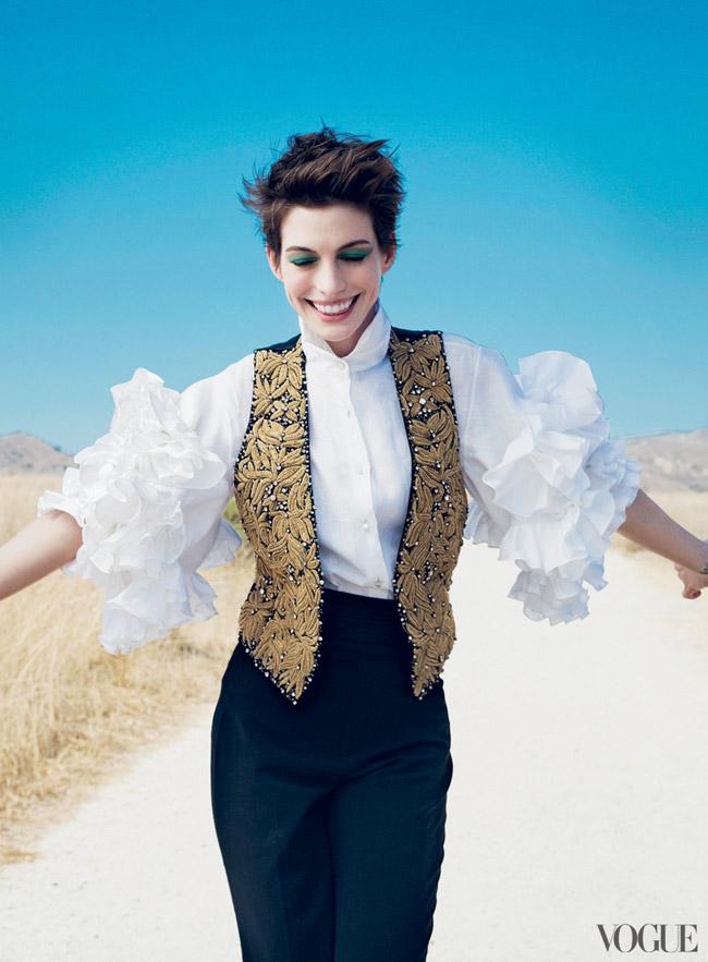 Anne Hathaway Vogue December 2012