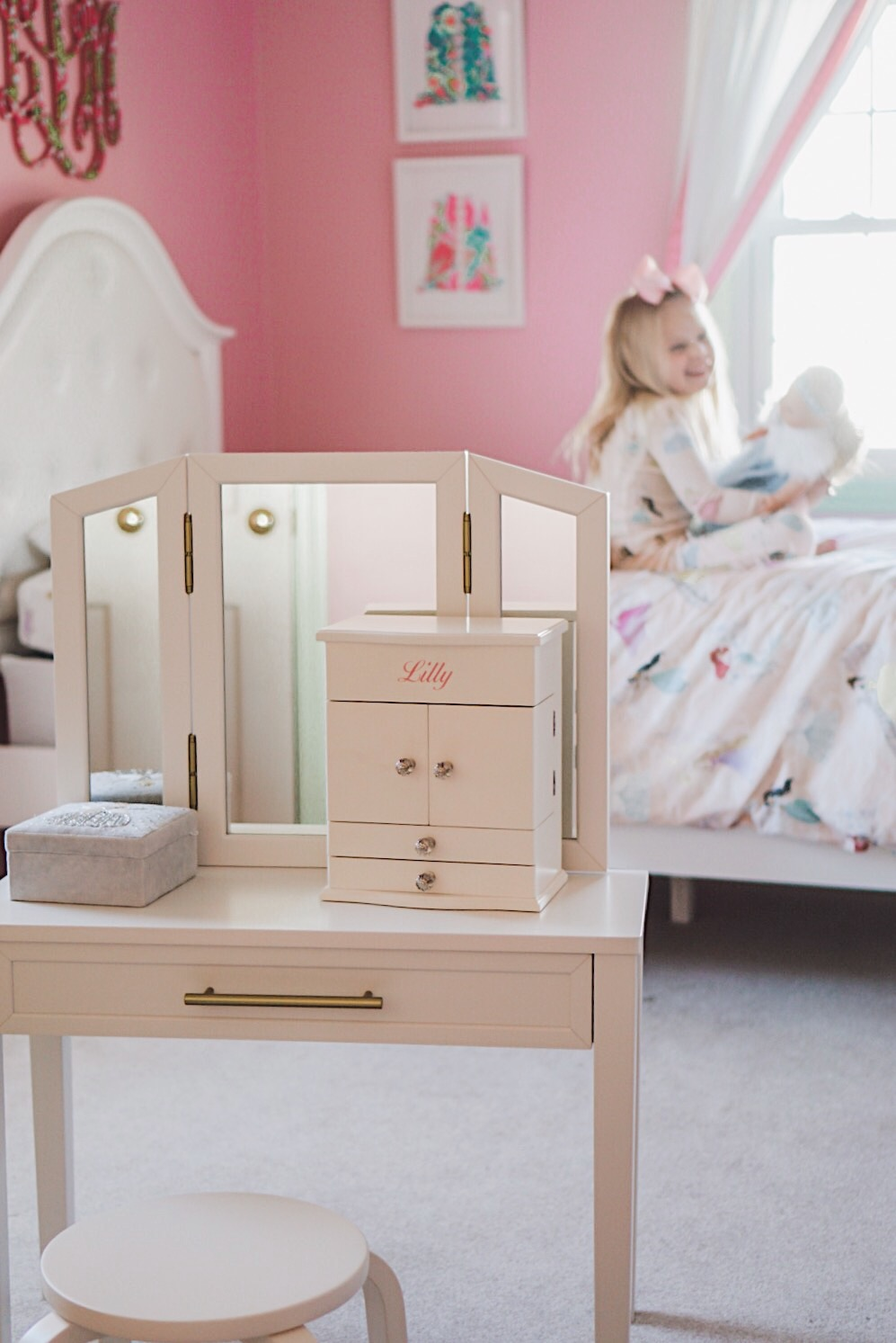 Lilly S Surprise Disney Princess Bedroom With Pottery Barn Kids Style Her Strongstyle Her Strong