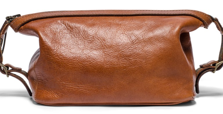 Guide to packing the perfect dopp kit!