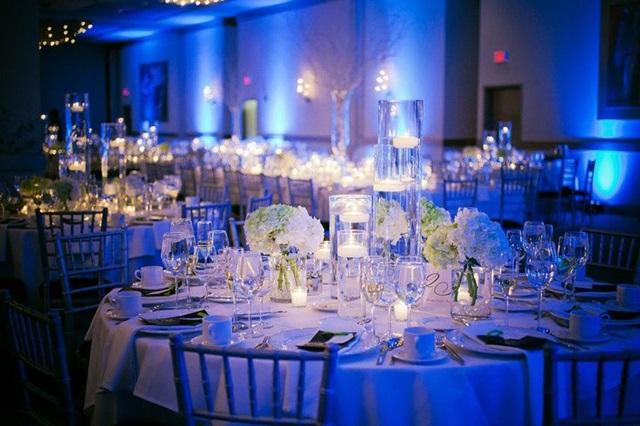 AZUL BODAS DECORACIN FLORES A Trendy Life Weddings