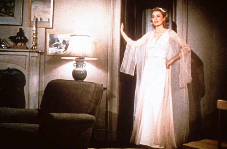 Grace Kelly in Rear window costumes by Edith Head Sin