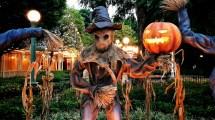 Hong Kong Disneyland Halloween Ready With Villains