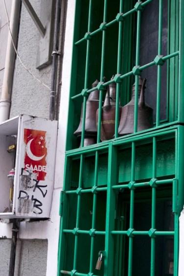 walking_in_istanbul_14