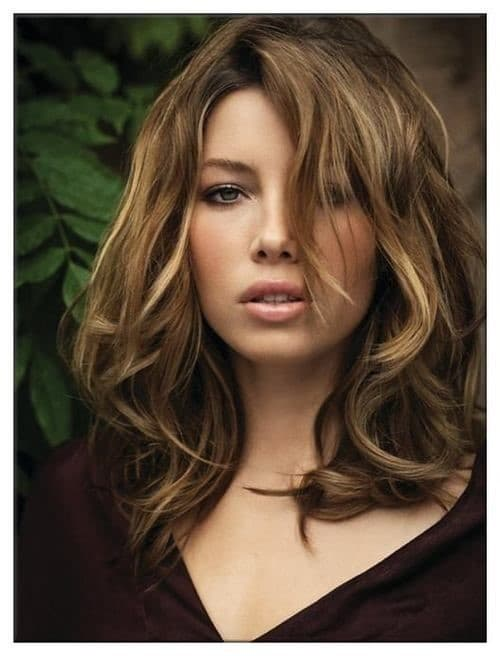 Beach Gal-Medium Hairstyles To Make You Look Younger-2