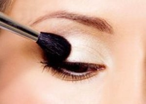 A Primer to Make Your Eye Makeup Last Longer