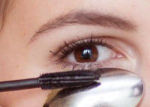 Spoon Again for Neat Application of Mascara