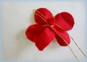 Fabric-flowers-easy-craft-ideas