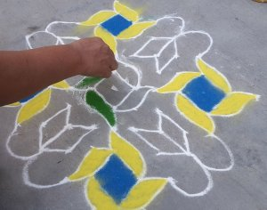 Step 3 : Dotted rangoli by Abha Meshram