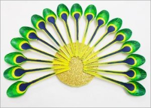 Plastic-spoon-craft-for-wall-decor