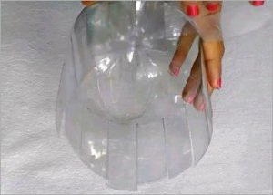 Plastic-bottle-recycled-crafts-decor