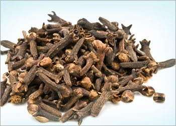Cloves-for-cuts-and-burns-home-remedies