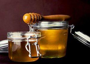 Honey-skin-tightening-home-remedies