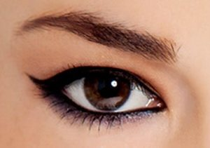 How to Apply Winged Eyeliner.