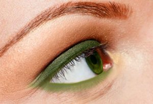 Apply green eyeliner