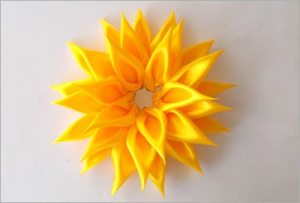 Easy-diy-satin-sunflower
